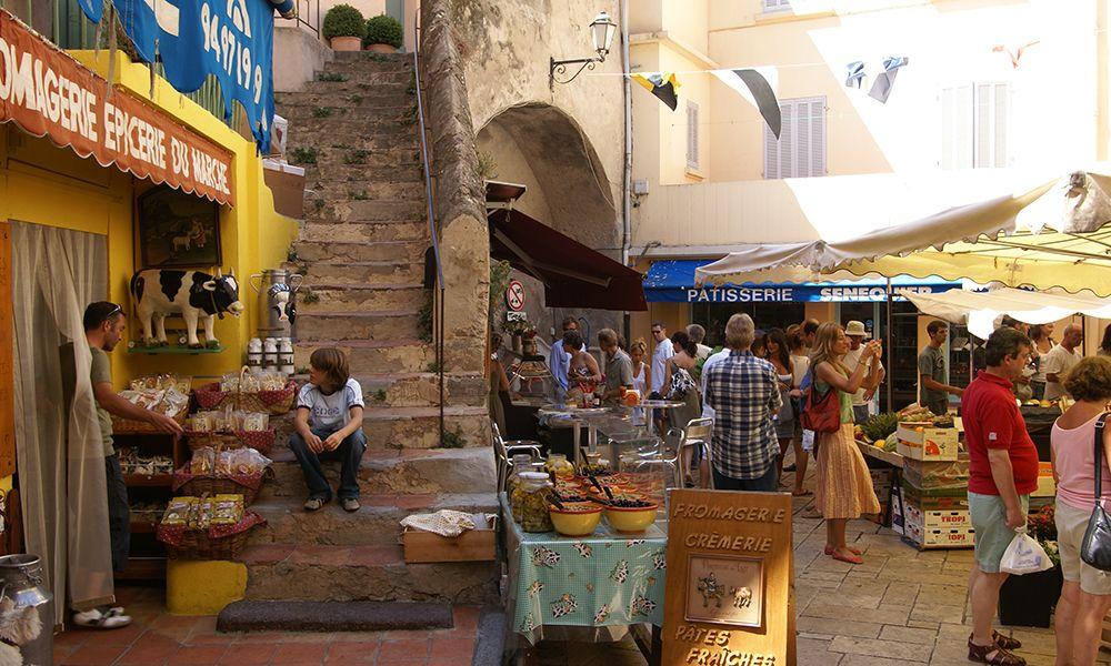 Le marché de Saint-Tropez - Saint-Tropez Tourisme